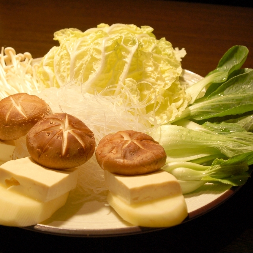 Assorted vegetables with tofu (Chinese cabbage, sprouts, potatoes, tofu, Eggi, Shiitake)