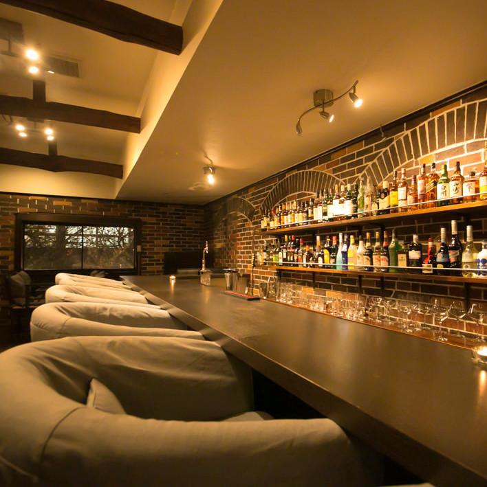 Woodbell是一家可以作为一个成熟的酒吧使用的商店!在与主人交谈时享受饮酒。一个人早上喝。我和爱人一起慢慢度过。你可以在各种情况下使用它!