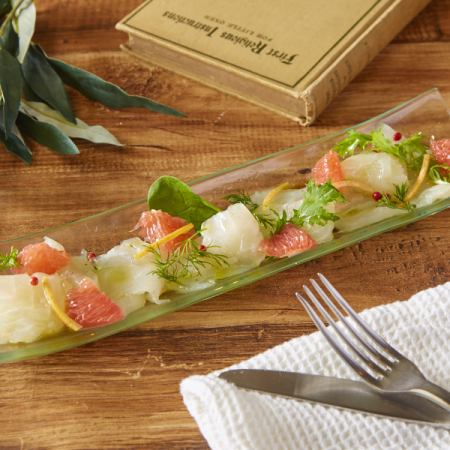 ■ Today's fresh fish and grapefruit carpaccio