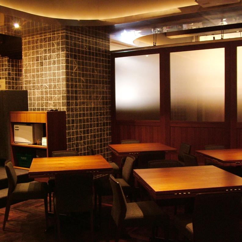 宽敞的地板!座位布局也很灵活!