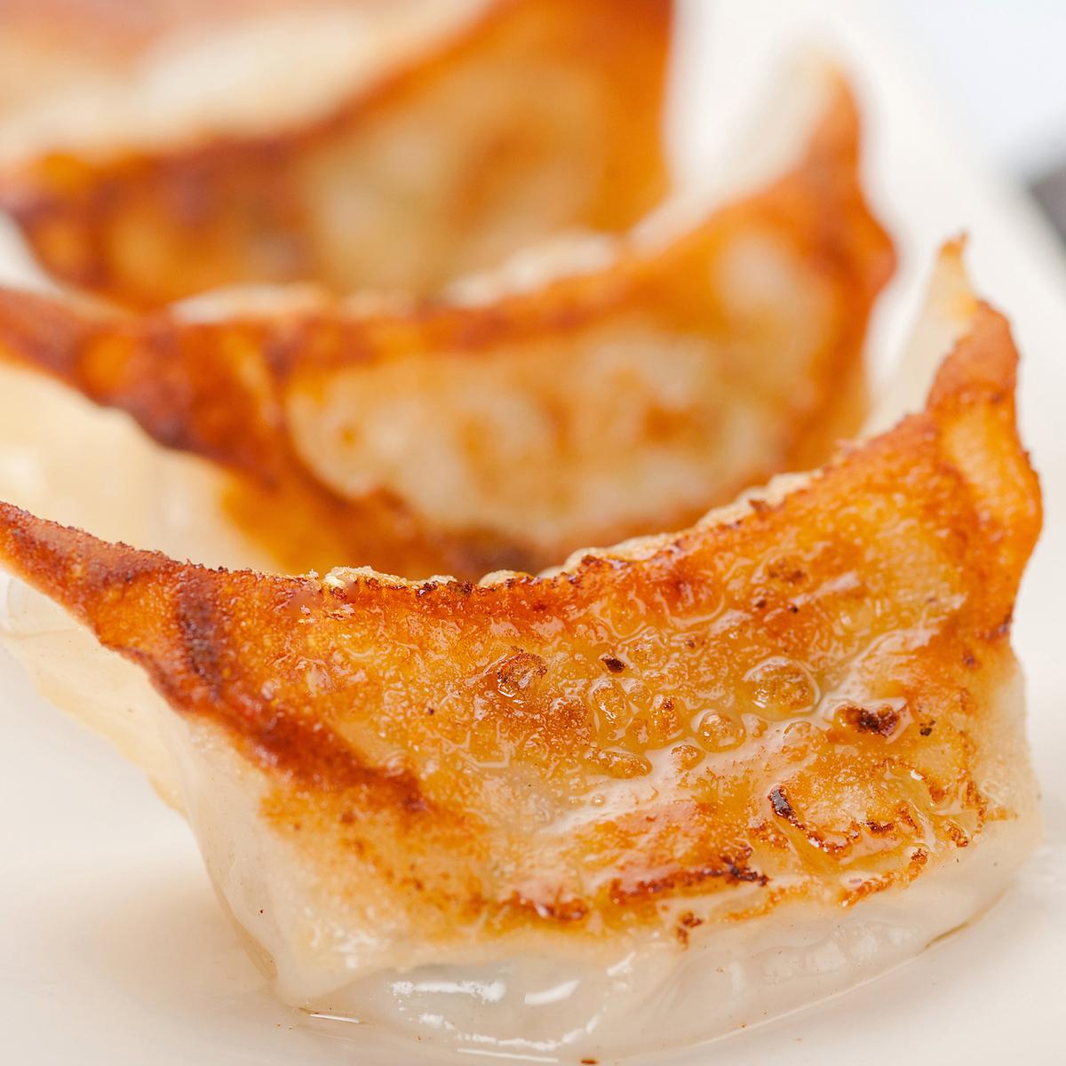 Gyoza dumplings (Garlic & Nila can also be ordered) 8 pieces