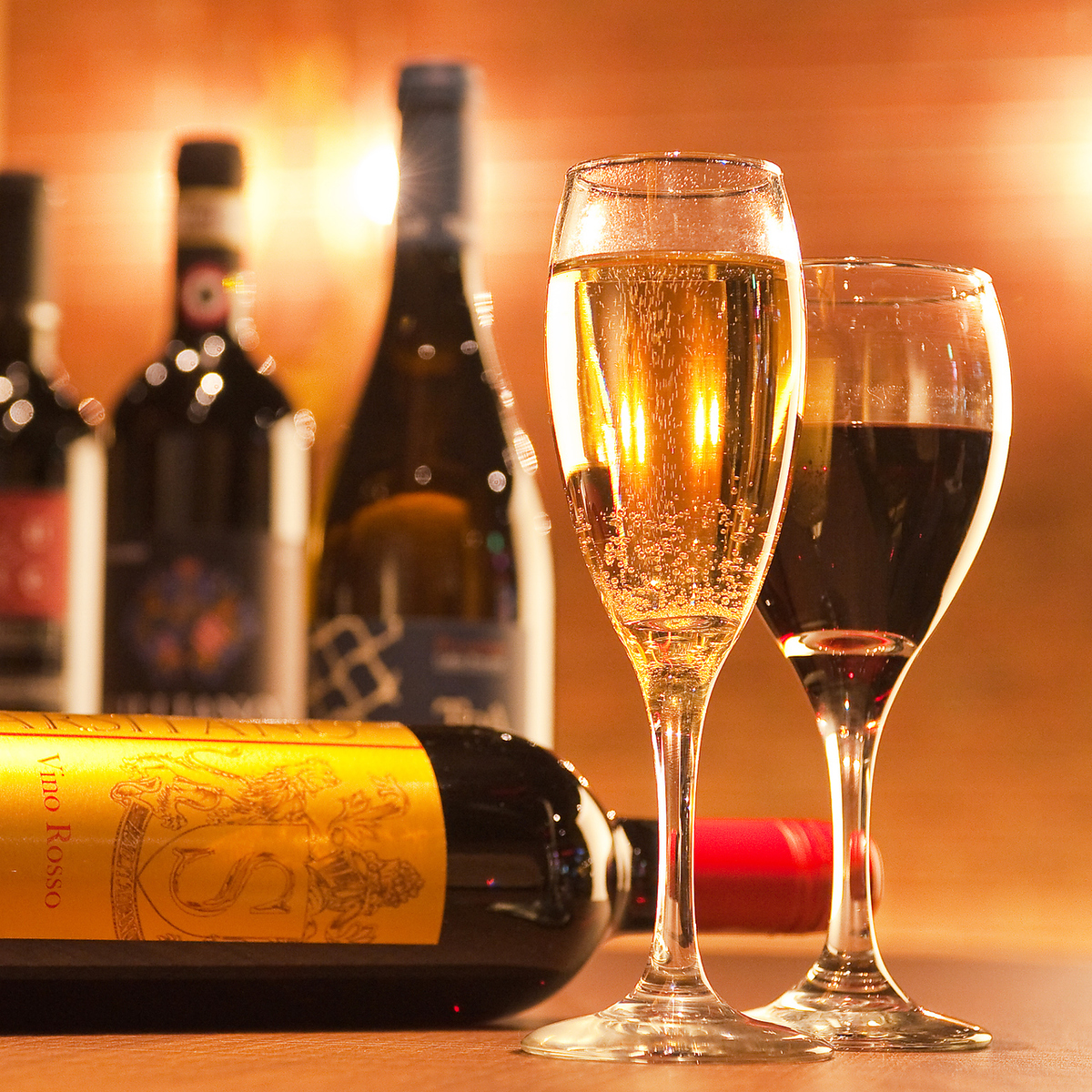 We offer various kinds of wines of various countries reasonably ♪