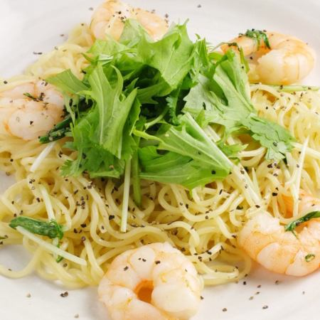 Shrimp and Mizuna's Nampula fried noodles
