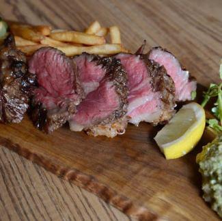 アンガス牛のステーキ ワカモレソース