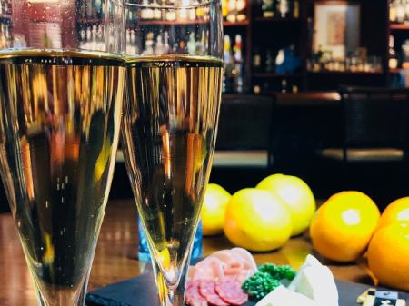 一个美好的夜晚♪4人 - 宪章确定和原始完整波光粼粼包括饮料附加豪华计划出现了!