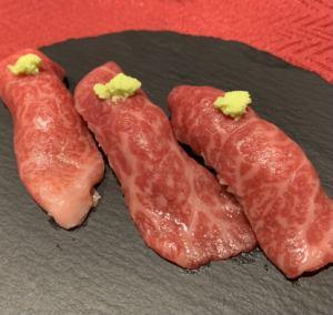 佐賀牛炙り寿司(3貫)