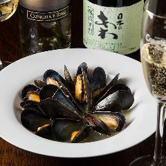 Steamed White Wine Mussels ムール貝の白ワイン蒸し