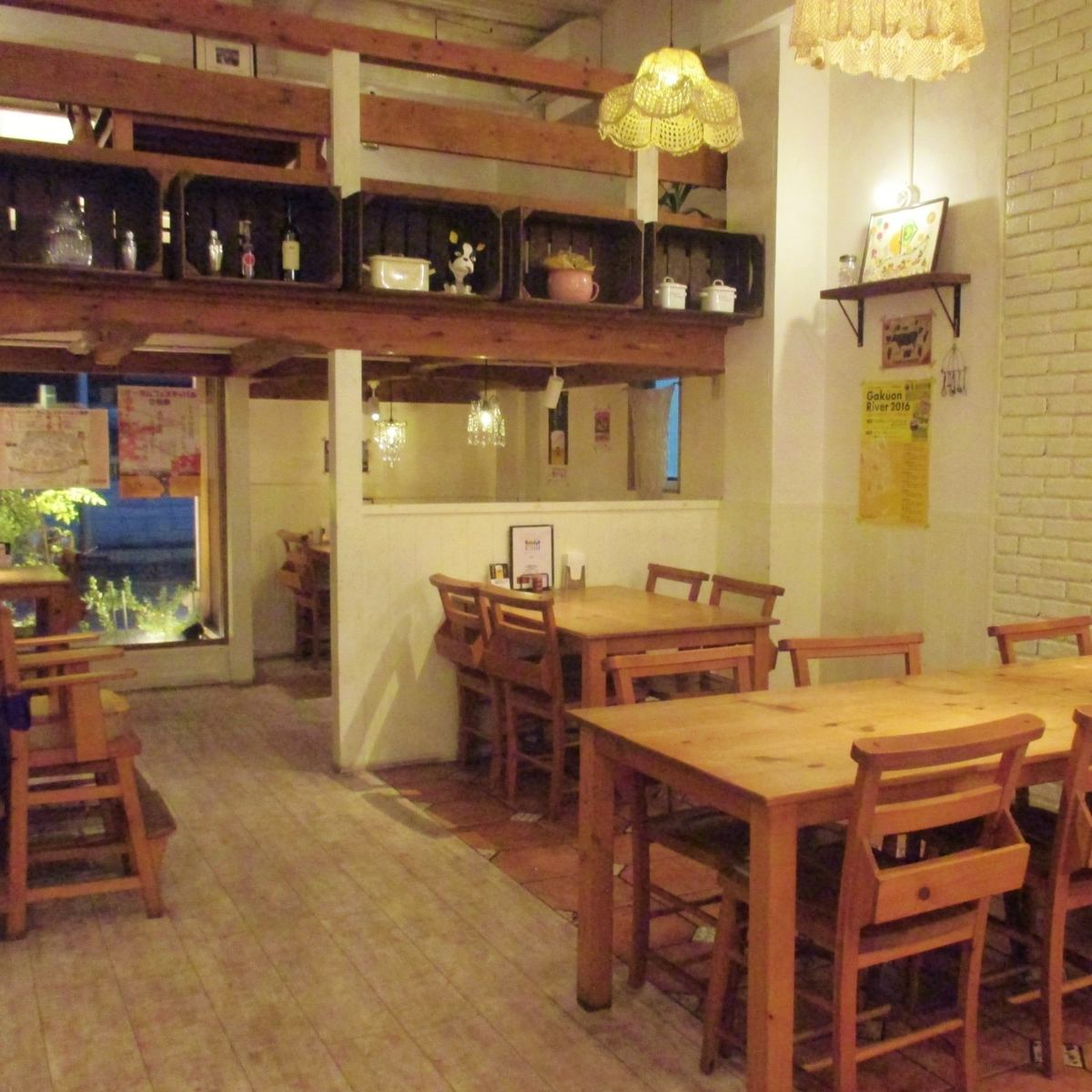 Popular among girls ☆ Atmosphere that loft seats also ◎ Bistro
