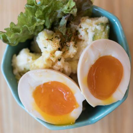 煮卵たくあんポテトサラダ