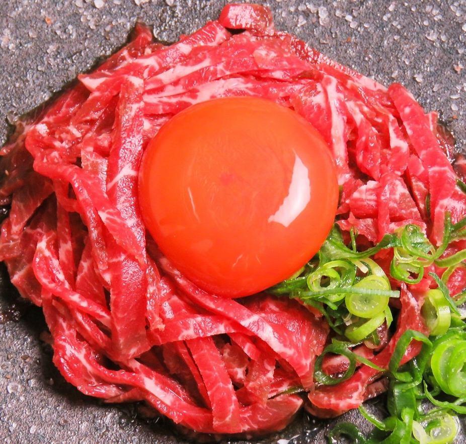 当店は、厚生省の定める厳格な基準をクリアし、徳島唯一の、生肉が食べられる肉割烹として、生肉が大好きな方のために、、OPEN致しました!!