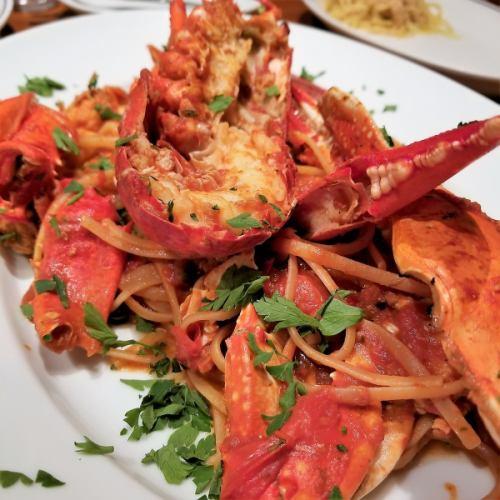 オマール海老と渡り蟹の濃厚なトマトソース