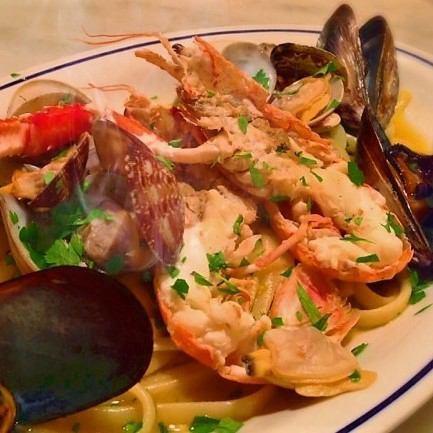 魚介類とチェリートマトのペペロンチーノ