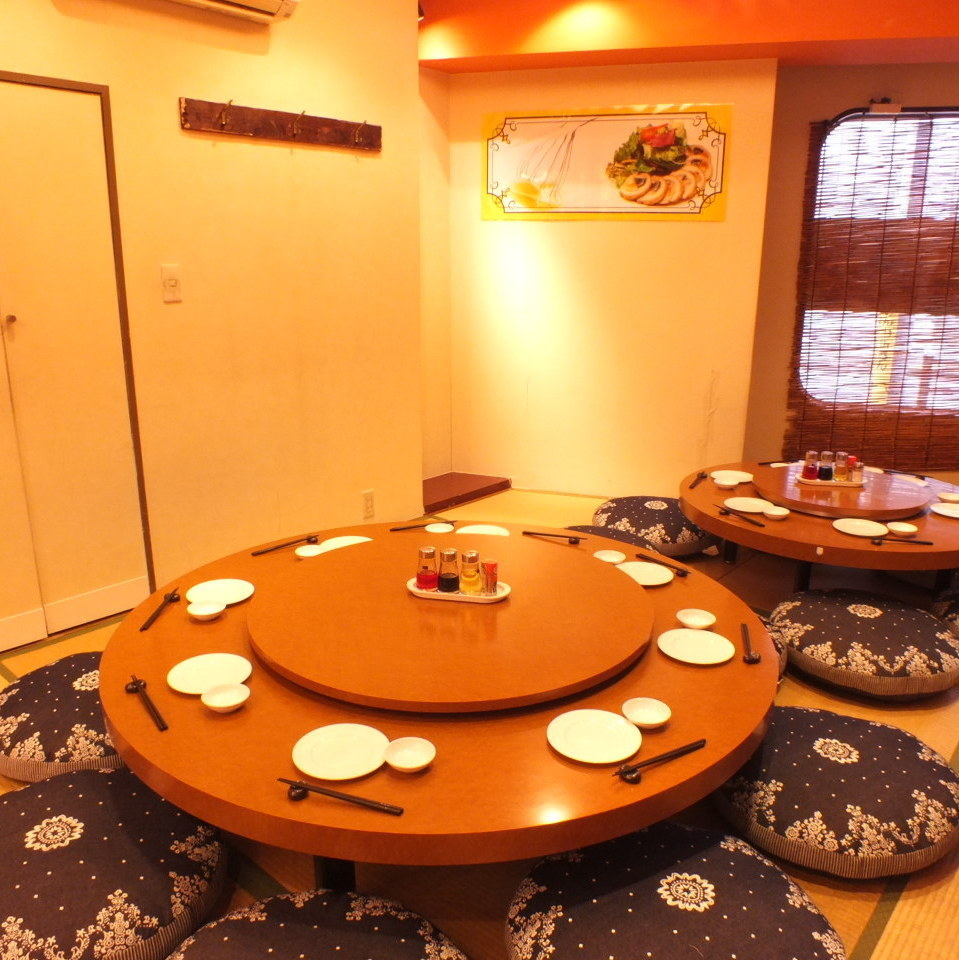 ■ Round Table: 5 to 8 people × 6 seats ■ Great round table 6 people ~ 8 people seats × 1 It is a private room that can be used extensively!