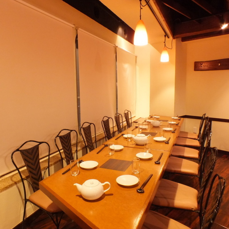 ■ 12 people table