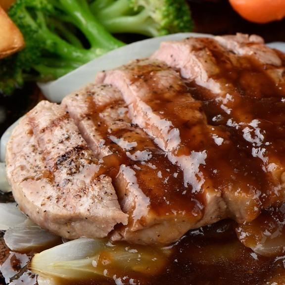 牛フィレ肉のステーキ シャリアピンソース添え