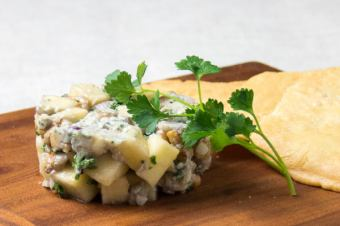 Blue cheese and walnut tartar