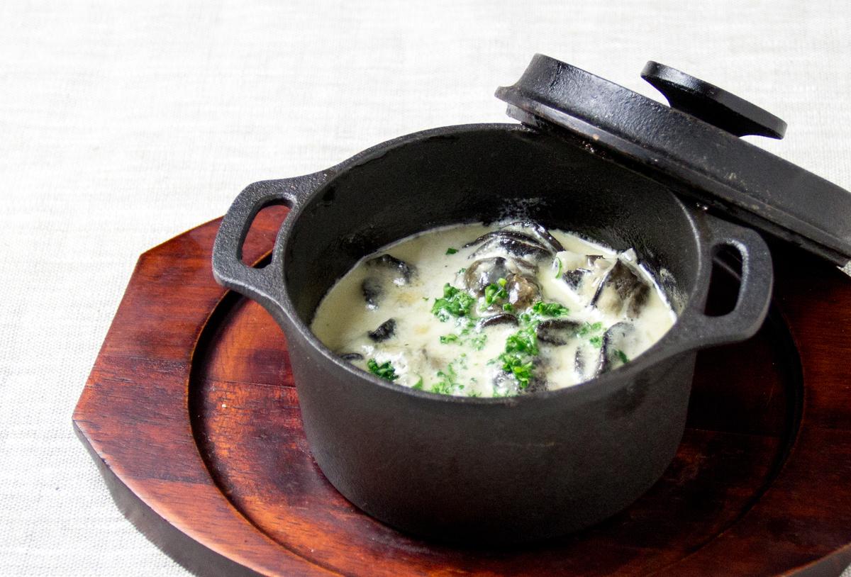 Escargot奶油煮砂锅剪裁
