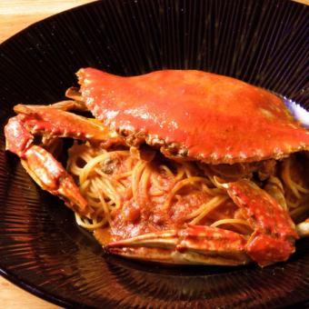 Whole crab of tomato pasta