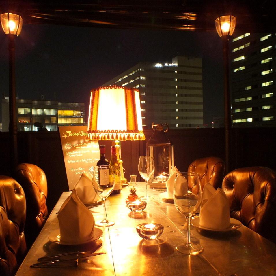 5F樓層:擁有一個特權的地方,您可以在觀看東京鐵塔的同時慢慢享受私人空間。大桌子可供4至6人使用。即使下雨,也可以使用,因為有窗簾。即使下雨也很好。