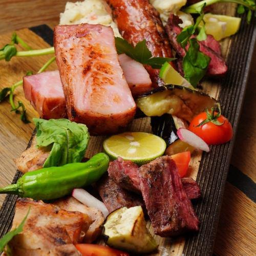 ★お肉★贅沢の極み…盛に盛った【肉盛】でパワーアップ