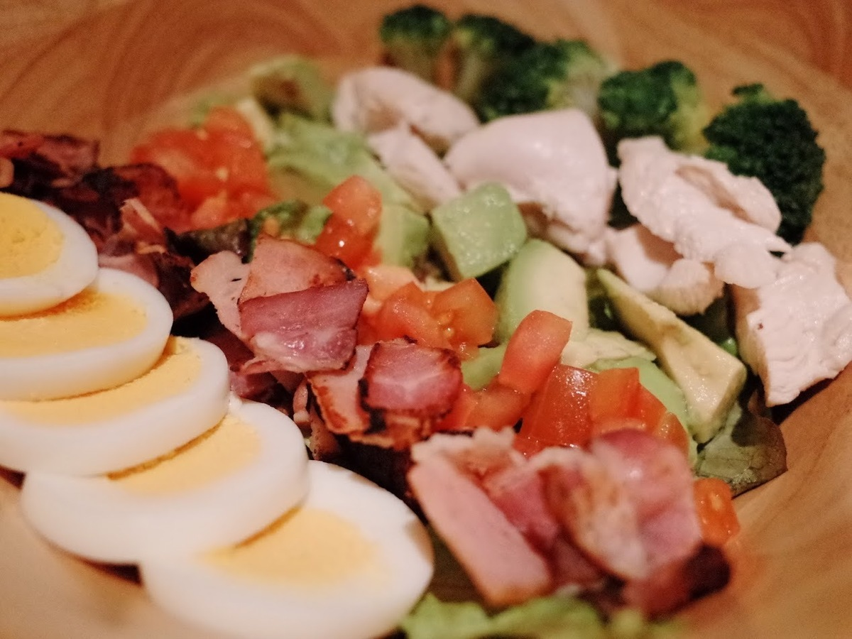 A lot of ingredients Cobb salad