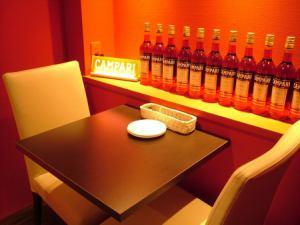 ベンチシートのローテーブル。2~6名様で