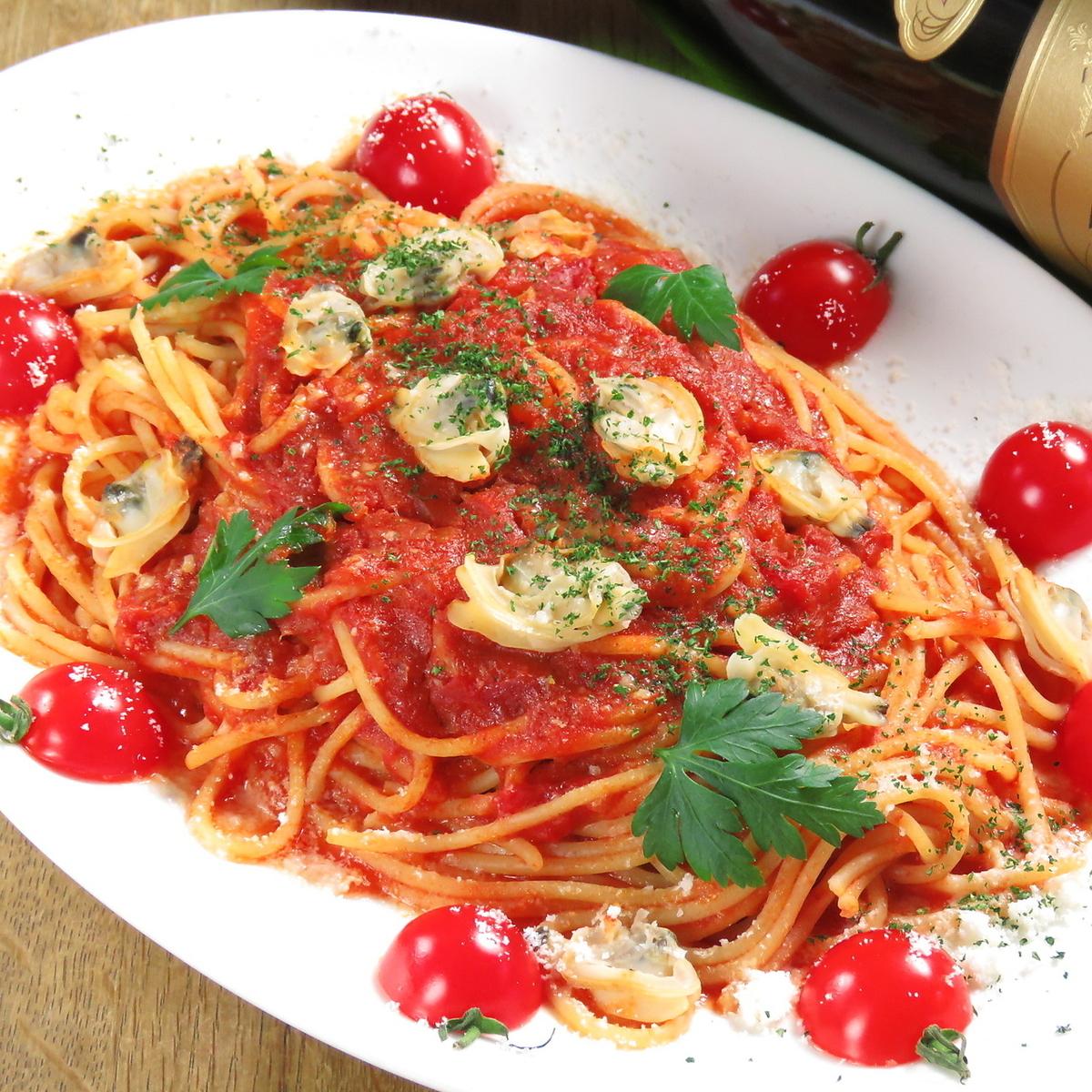 토마토와 모짜렐라 생 파스타