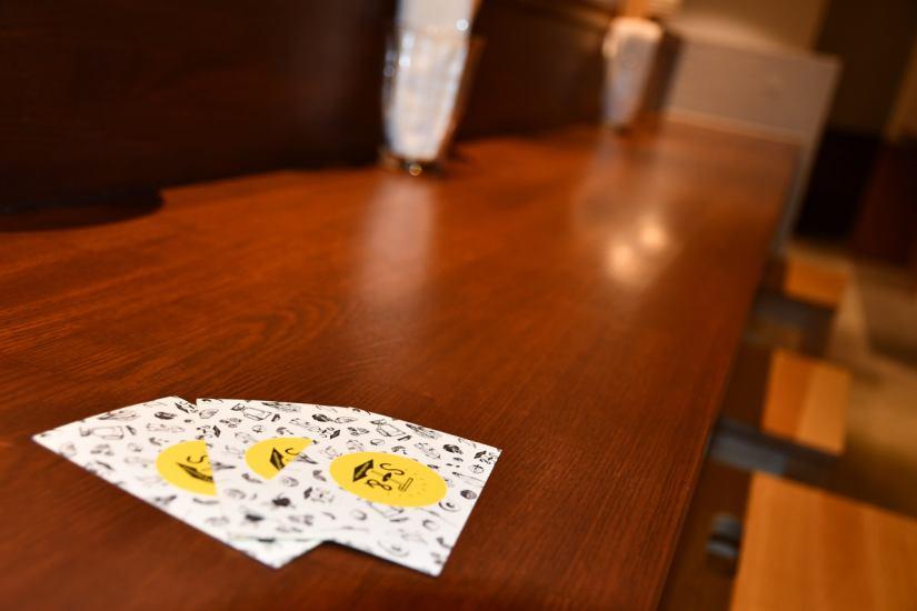 還有一個可愛的物品,如店鋪用卡!原來杯杯將要採取與手。以下是正在考慮怎麼做才能讓你!
