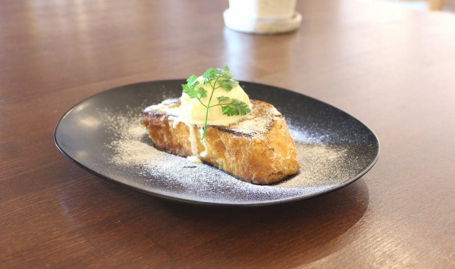 在晚上的酒吧菜單中也有推薦的甜品♪Honabonu的味道的法式烤麵包很精緻!我會吃很多次☆☆☆