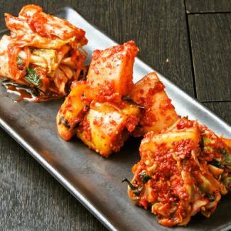 Chinese cabbage kimchi / cucumber kimchi