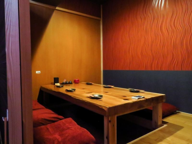 We are preparing a preeminent private room.It is also possible to create partitions according to the number with digging which relaxes relaxedly.6 people / 10 people / 20 person ... ... We will guide you to the optimum private room according to the number of people and usage scene.