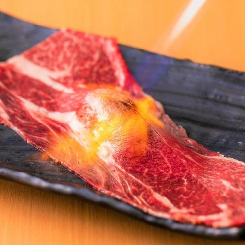 国産黒毛和牛の大判 炙り和牛肉寿司