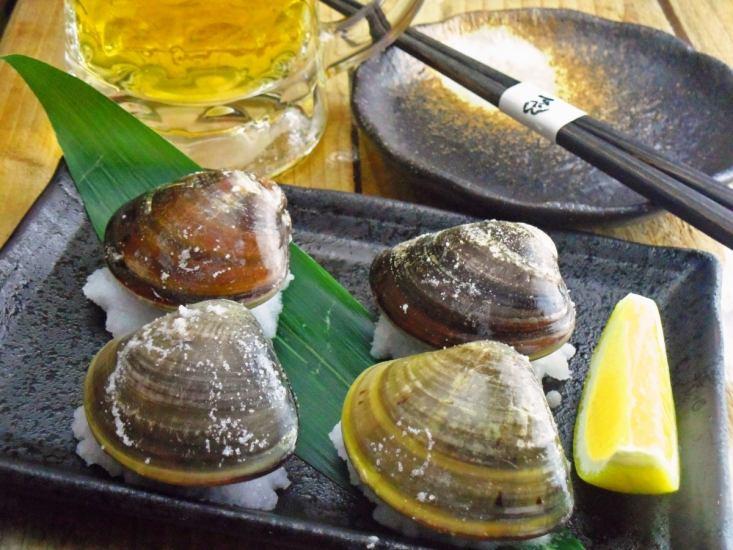 生ビールに合う新鮮な魚介類をご用意!名産の蛤も低価格で◎♪