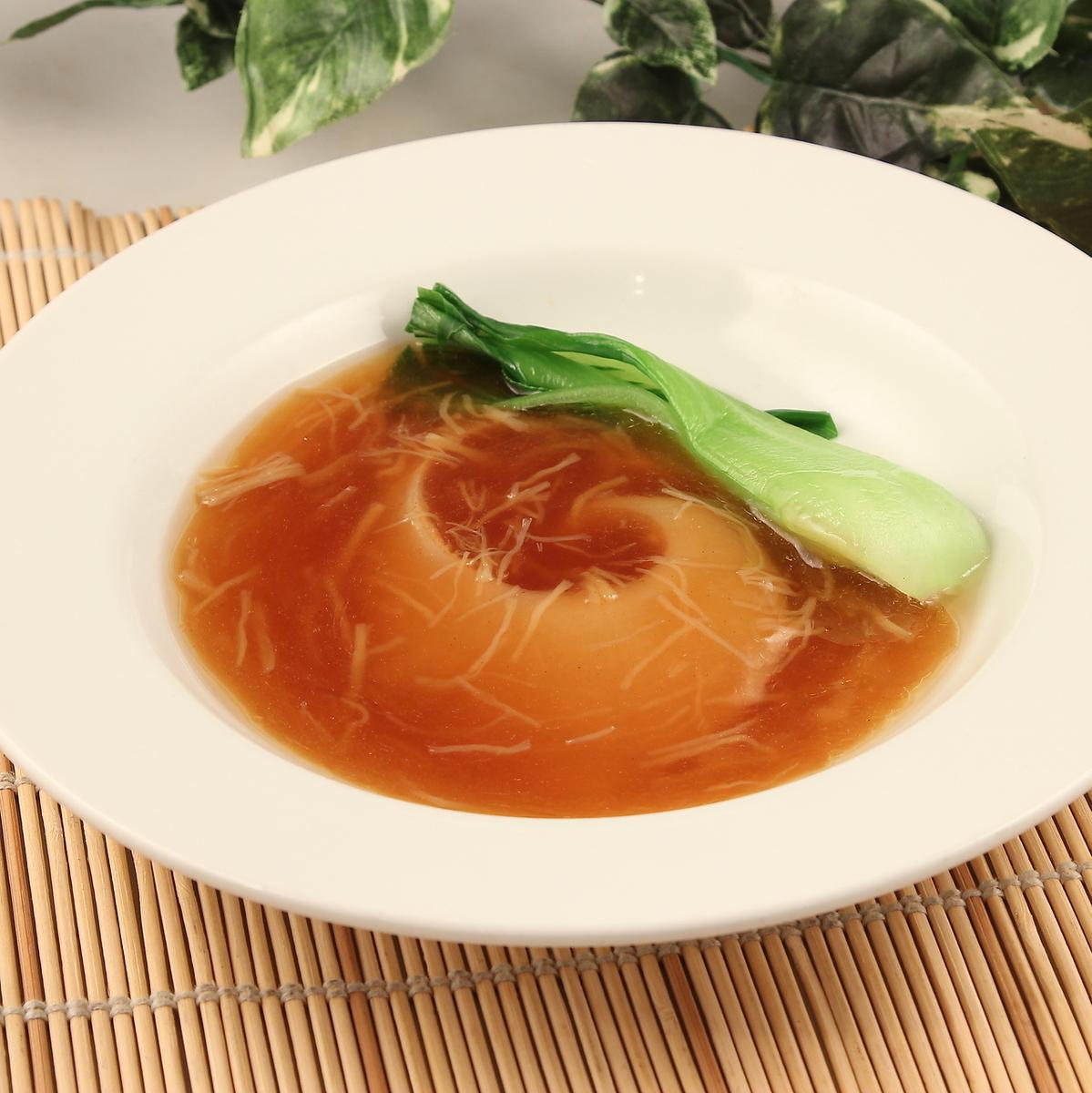 Boiled abalone soy sauce / boiled shark's fin