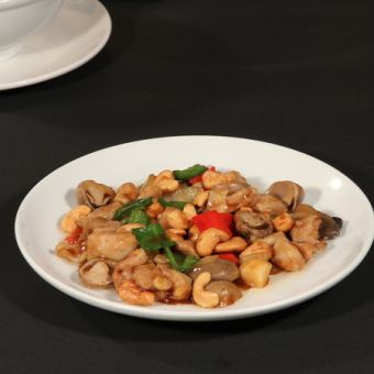 炒鸡和腰果/用蚝油炒牛肉