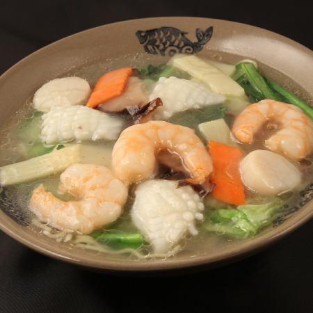 Seafood noodles / Chashuu noodles