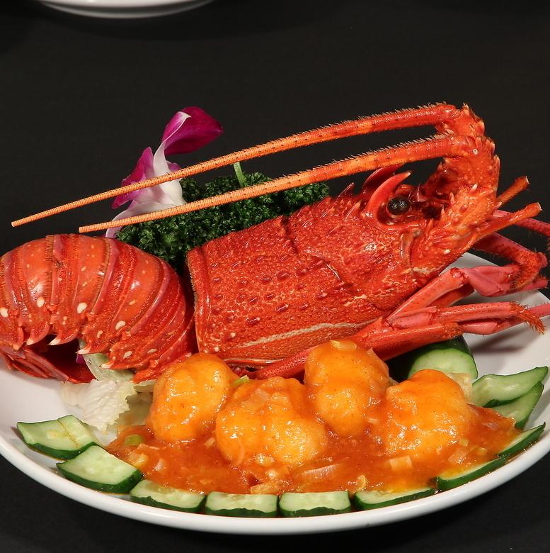 龙虾/炖虾的辣椒酱配蟹味噌/龙虾的葱花生姜炒