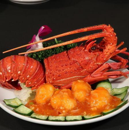 ロブスターのチリソース/蟹みそ入りフカヒレの姿煮/ロブスターのネギ生姜炒め