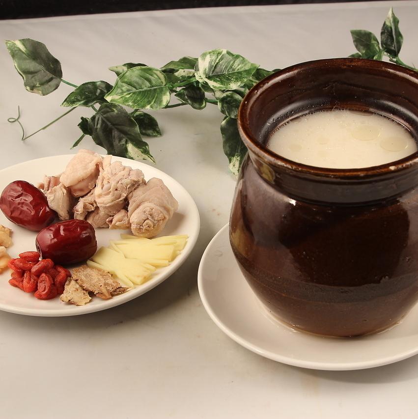 名古屋Kochin的干松茸填充菜蒸汤(4人份)