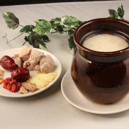 名古屋コーチンの干し松茸入り薬膳蒸しスープ(4人前)