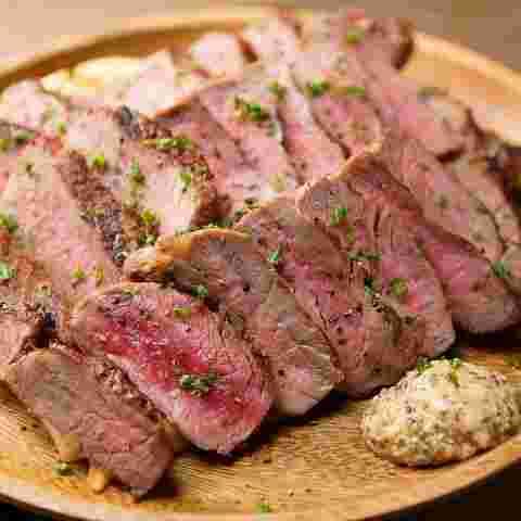 梅田茶屋町的正宗學校肉丸享受瘦肉!