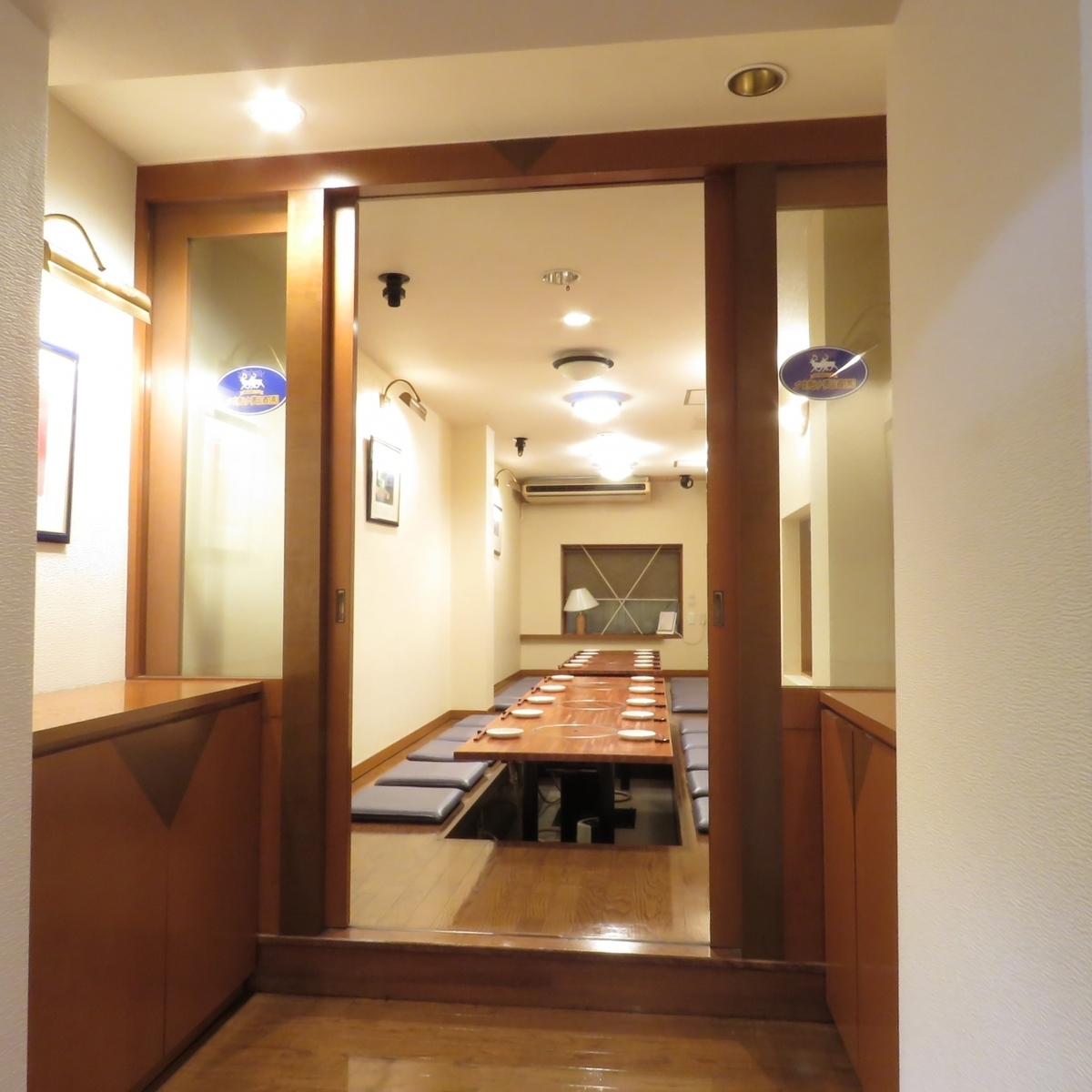 Private banquet room with a capacity of 25 people! Maximum of 25 guests is reserved for private use, so you do not have to worry about other customers and you can feel excited! The toilet is also on the 3rd floor!