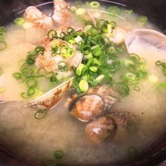 조개 국물 / 구이 주먹밥 (2 개) / 주먹밥 (2 개) / 라이스 (대)