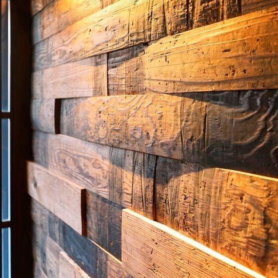 壁の樽古材のオブジェ