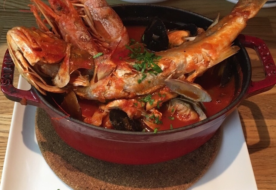 《STAUB鍋の料理》旬の魚のアクアパッツァ/《STAUB鍋の料理》旬の魚と色々魚介のブイヤベース