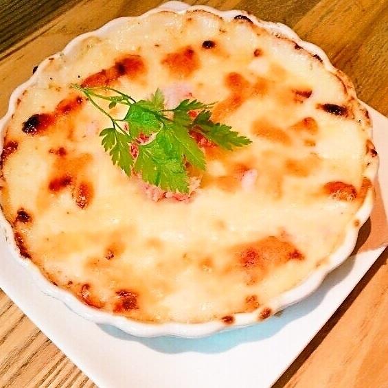 ズワイガニのクリームグラタン/アボカドとチーズの生ハム包みフリット