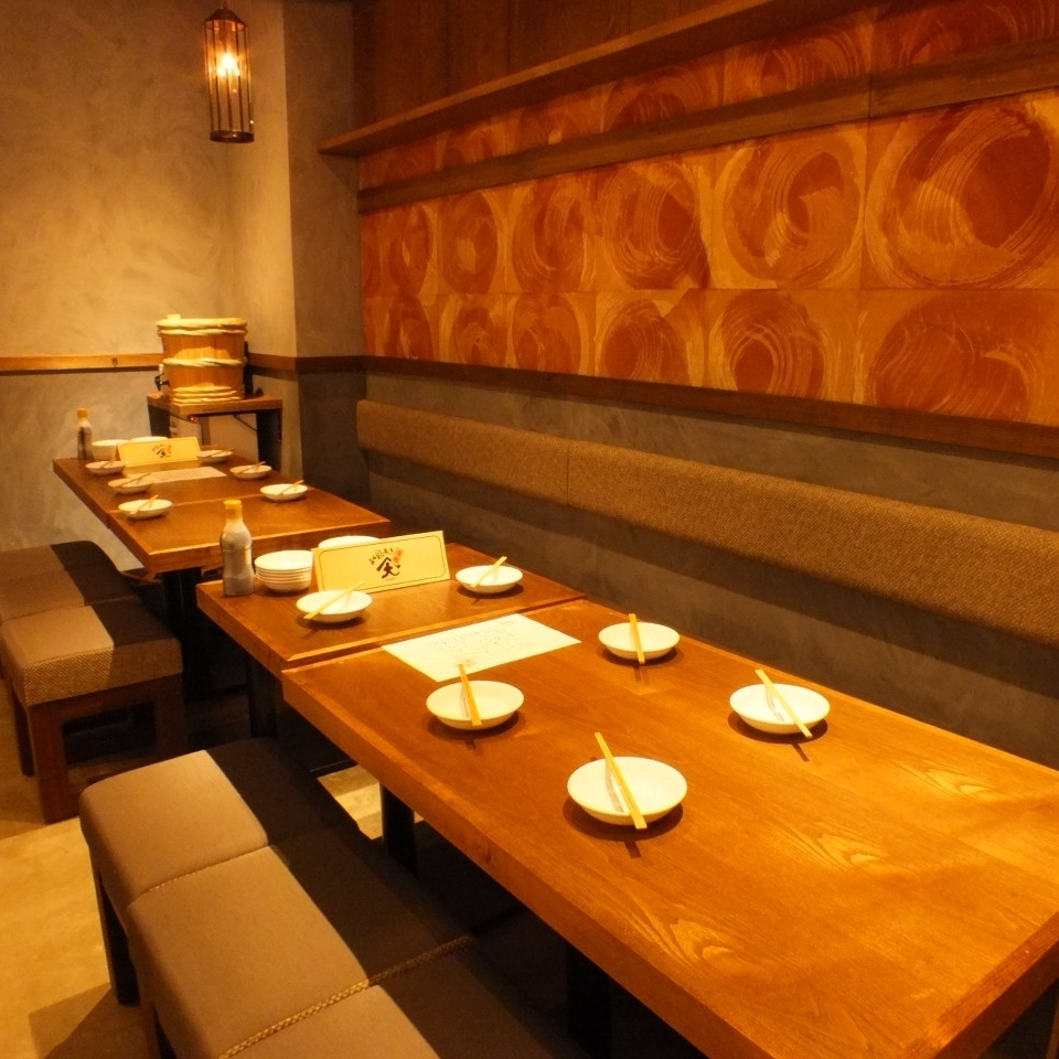 4 to 6 people table The window is settled in popular seats ♪ wider seats.It can be used widely, including petit banquet and friends, girls' societies! ♪ correspond to various situations with date, entertainment, family, friends ♪