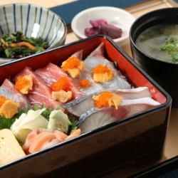 博多海鮮重御膳(小鉢・漬物・味噌汁付)