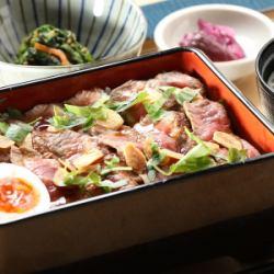 サーロインステーキ重御膳(小鉢・漬物・味噌汁付)