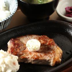 サーロインステーキセット(ご飯・味噌汁・漬物付)